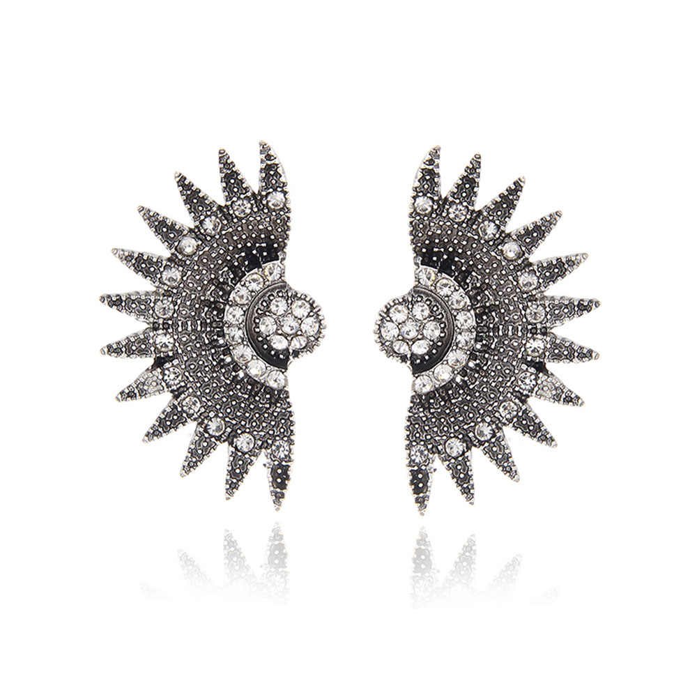 Europejski i amerykański retro kreatywny w kształcie wachlarza kolczyki Rhinestone osobowość mody przesadzone kolczyki damskie dodatki