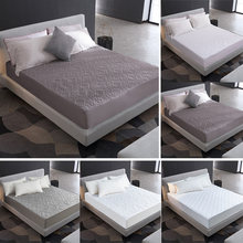 Solid Color Bed Linens Quilted Embossed Waterproof Mattress Protector Fitted Sheet Style Cover for Mattress Bedspread on the Bed