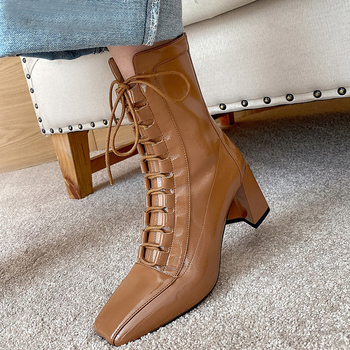 2020 New Women Leather Boots Fashion High Heels Shoes Winter Lace Up Woman ShortBoots Square Toe Ankle Boots Female Shoes Heel 2020 new fashion women boots high heels shoes for female strap buckle shoes ladies short boots leather ankle boots