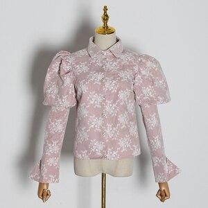 Image 5 - TWOTWINSTYLE 자수 히트 색상 여성용 블라우스 옷 깃 칼라 퍼프 긴 소매 슬림 셔츠 여성 2020 패션 의류 조수
