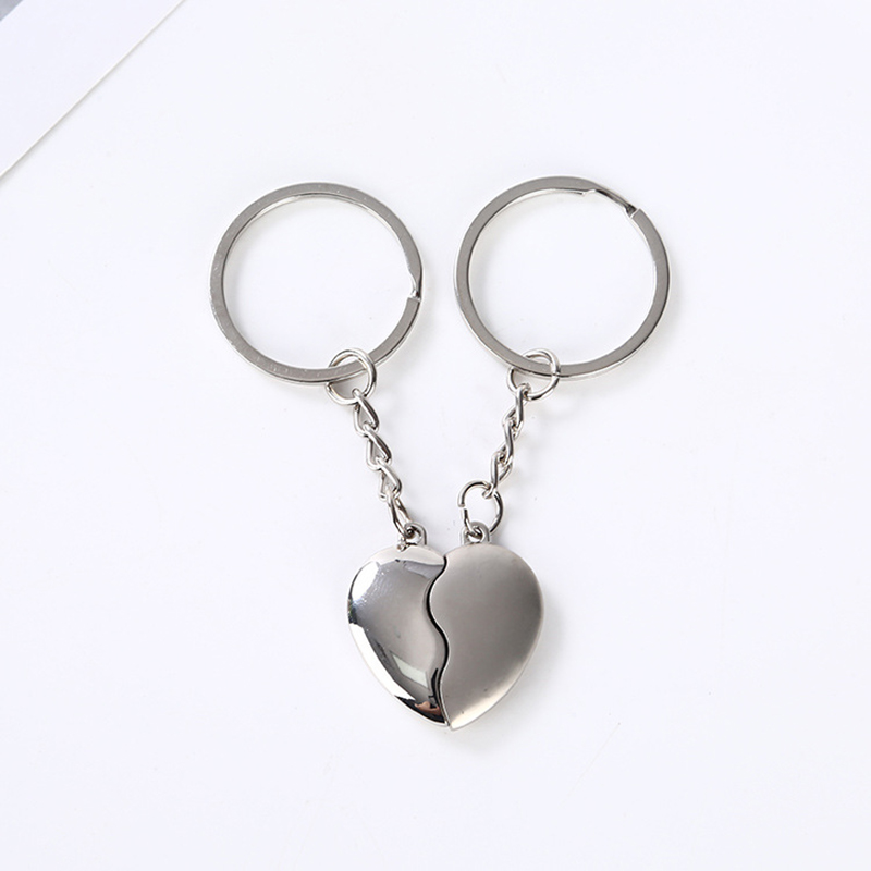 1Pair Couple Keychain Key Silver Plated Korea Romantic Lover Love Key Heart Shape Magnet Keychain Souvenirs Valentine's Day Gift
