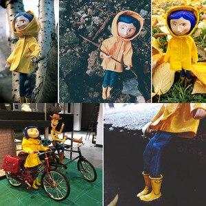 Image 5 - 노란색 비옷 관절과 귀여운 코랄 린 소녀 인형 그림 장난감 어린이 생일 선물 장식 20cm