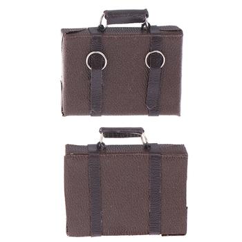 Domek dla lalek miniaturowa skórzana walizka z drewna mała lalka pojemnik na bagaże udawaj że bawisz się zabawkowe meble ozdobny element akcesoriów tanie i dobre opinie SHgeZm 2-4 lat 5-7 lat 8-11 lat 12-15 lat Dorośli CN (pochodzenie) stop from fire 4 5*4 2cm Luggage Box Unisex