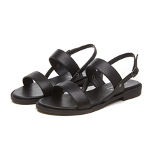 Плюс размер сандалии женщины лето квартиры свободного покроя обувь простые черные 42 43 открытым носком нескользящей пляжная леди