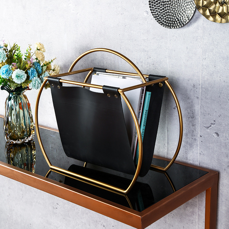 Купить с кэшбэком Free Standing Metal Creative Design Round Leather Magazine Rack Desktop Folder Book File Newspapers Holder for Office Home Table