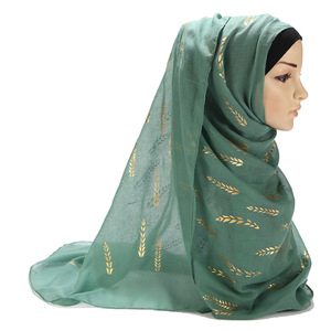 Image 5 - 2020 חדש מוסלמי אסלאמי שחור לבן ירוק רגיל ראש לעטוף חיג אב צעיף צעיף נשים זהב עלה מודפס מקסי ג רזי Hijabs צעיפים