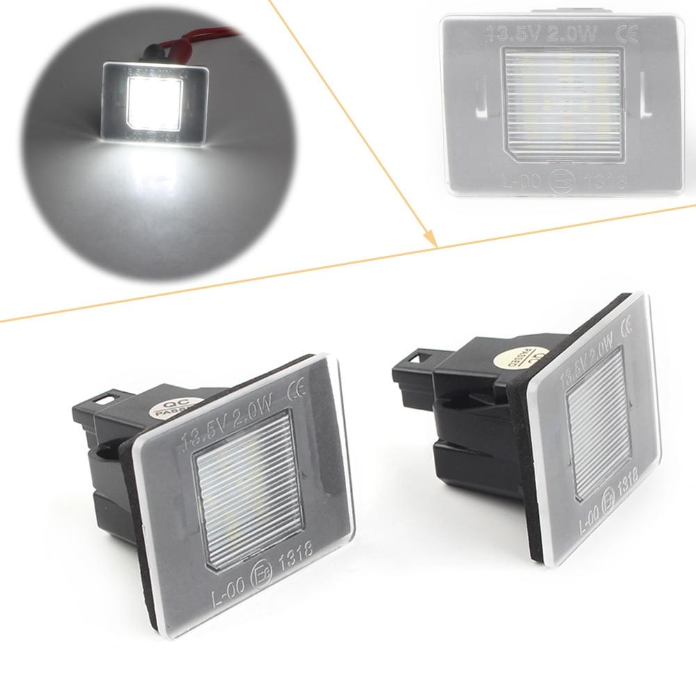 Beyaz LED araba CAN-bus için plaka ışıkları mercedes-benz GL ML GLK GLA GLC GLE sınıf w176 W166 X156 X166 X204 X205 R172
