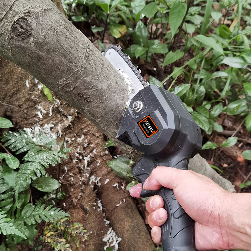 home improvement : Portable 65CC Chainsaw Petrol Chainsaw With Blade Professional Chainsaw Garden Saw Petrol Chainsaw