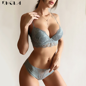 Image 1 - Mode Witte Beha Slipje Sets Sexy Beha Diepe V Push Up Bh Vrouwen Lingerie Set Borduren Kant Ondergoed Set Katoen dikke
