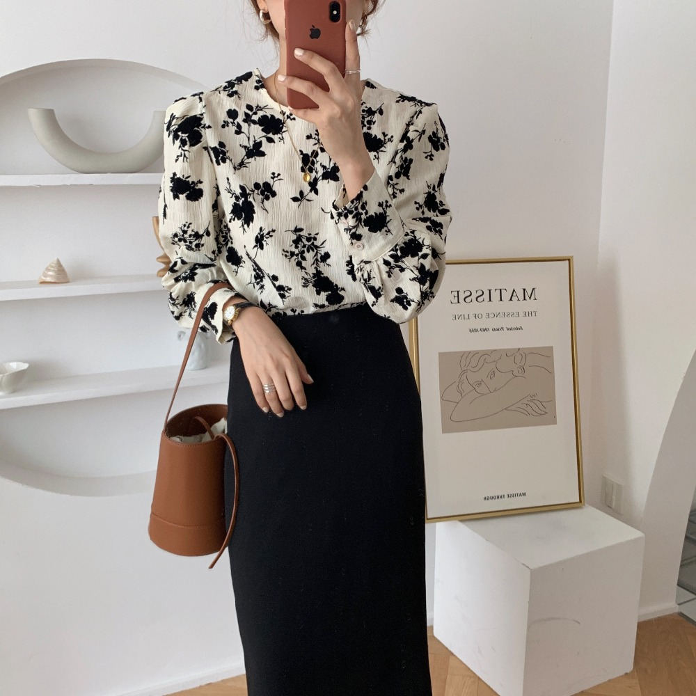 Ha9fb5cc9413a4e03b7a9d090999d2f82l - Spring / Autumn Korean O-Neck Long Sleeves Two-Button Cuffs Floral Print Blouse