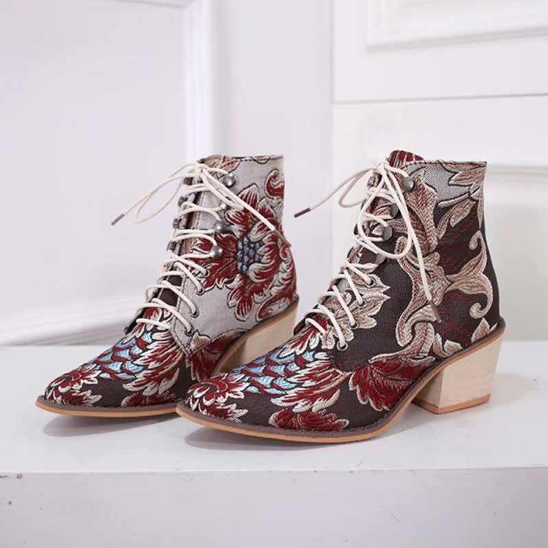 Retro kadın çizmeler oyalamak etnik bileğe kadar bot Lace Up sivri burun düz topuk ayakkabı sıcak kovboy Botas Mujer Dropship