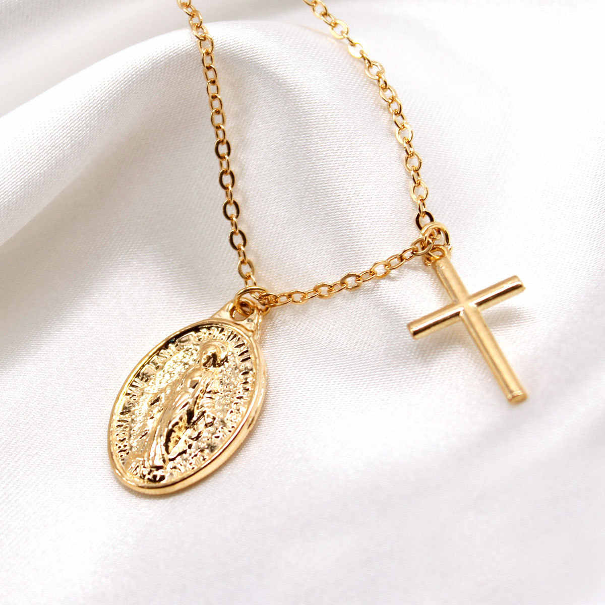 Simple Long Chain Virgin Mary Necklace Female Pendants Clavicle Choker Necklace Collares Jewelry