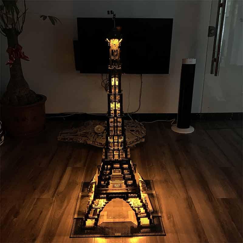 17002巴黎铁塔灯光图2