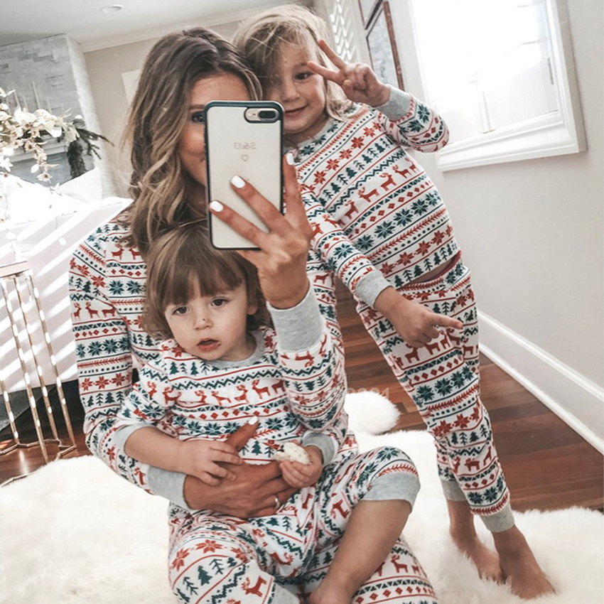 2020 New Year Christmas Family Pajamas Set Elk Print Long Sleeve T-shirt Pants Sleepwear Xmas PJs For Mother Daughter Look