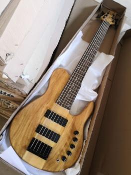 Motyl logo 6 struny gitara basowa szyi przez ciało Fodero elektryczna gitara basowa darmowa wysyłka Bajo Basse tanie i dobre opinie Rosewood quilted maple Beginner Unisex Do profesjonalnych wykonań Nauka w domu CN (pochodzenie) KSG bass Kevin Shi Bass