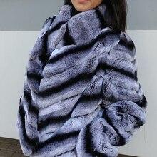 Женская Настоящая куртка с мехом кролика Рекс, короткое пальто, Шиншилла, цветная с полосками, теплая зимняя коллекция, классический пушистый мягкий мех