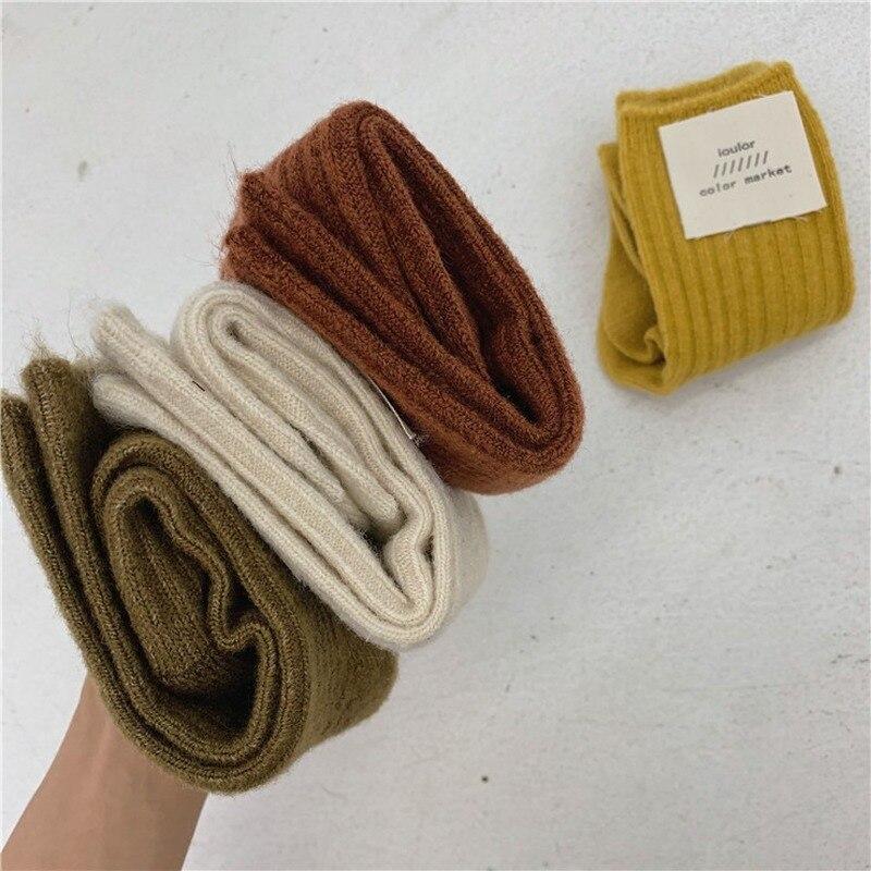 Jeseca cachemire épais chaud femmes chaussettes mode coréenne solide automne hiver longues chaussettes pour femme Homewear bottes plancher sommeil chaussette