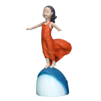 Abstract Modern Design Blue Whale Girl Miniature Model Figurines For Home Decoration Figurines Showcase Photograph Props Crafts