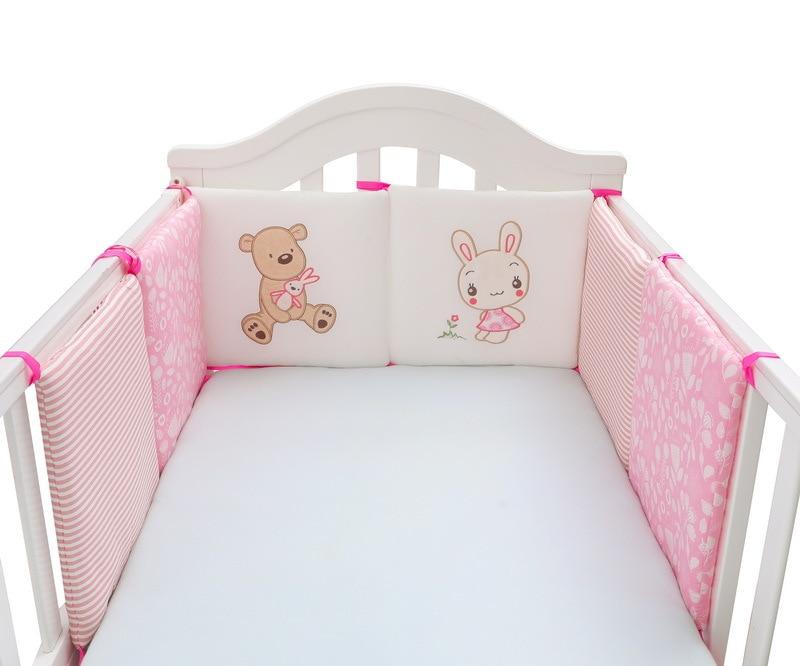 粉色小熊和兔子