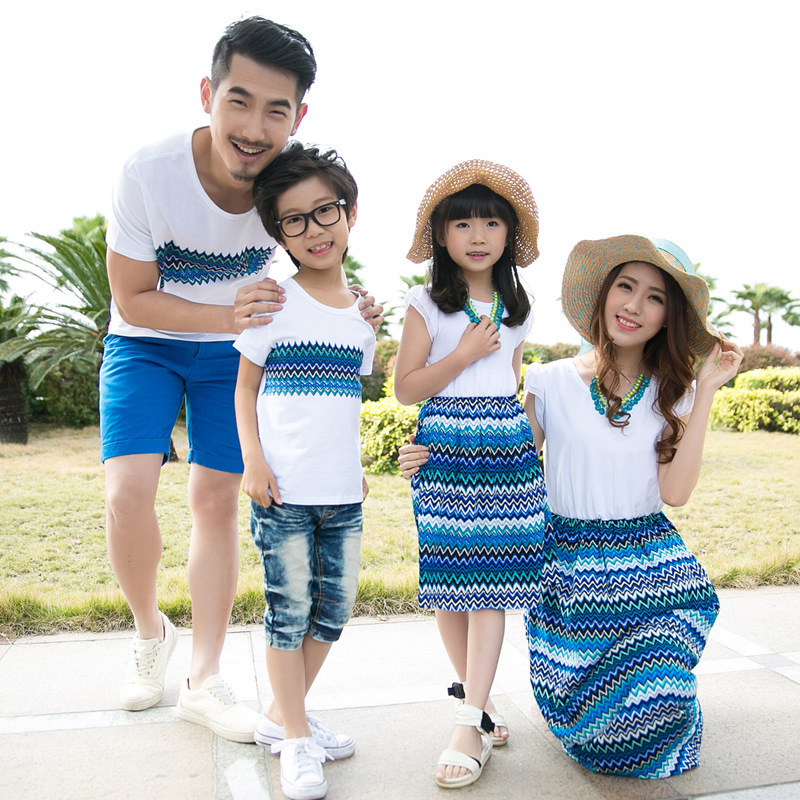 Family Matching Outfits Summer Mom Daughter Bohemia Blue Vacation Beach Long Dress Father And Son T-shirts Family Clothing Sets