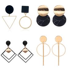 Koreański komunikat czarne akrylowe kolczyki Drop dla kobiet 2019 biżuteria Vintage geometryczne złote asymetryczne kolczyki tanie tanio Ze stopu cynku Biuro kariera Moda E914 Spadek kolczyki Nieregularne Metal Kobiety fashion earrings for women simple long Earrings