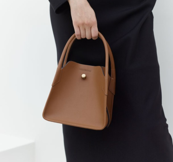 Real Leather Simple and Versatile Fashion Cow Leather Bucket Bag Shoulder Messenger Small Square Bag