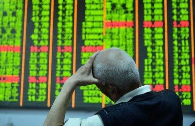 面对股票大跌股民需要注意那些方面