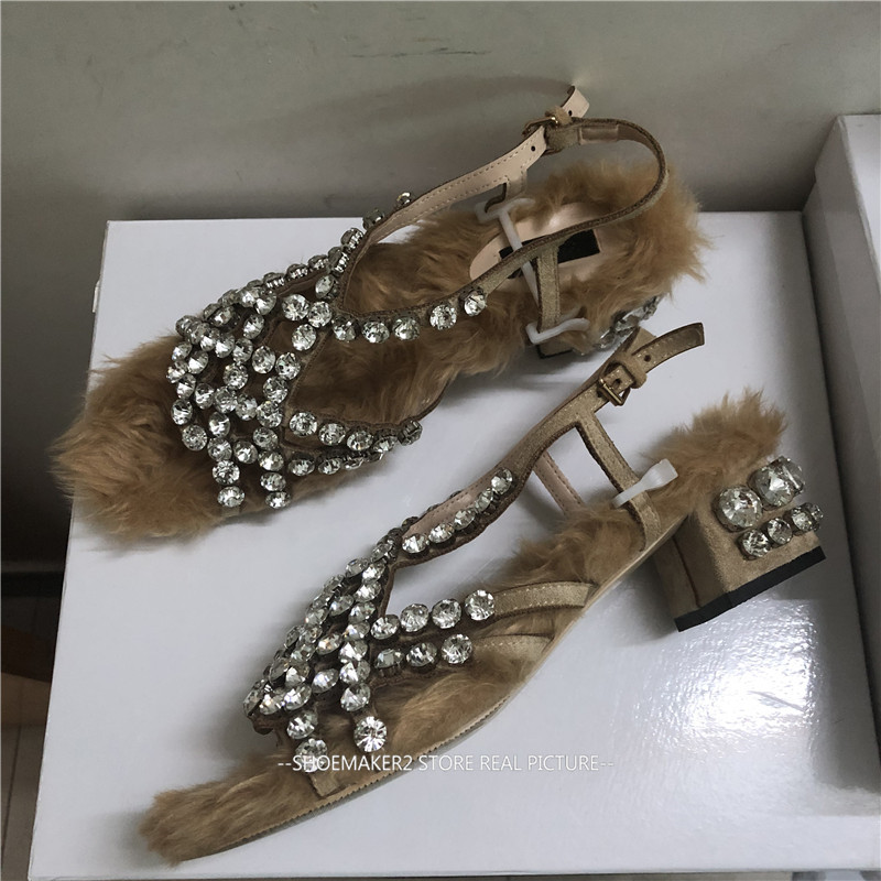 2018 Bont Strass Gladiator Sandalen Vrouw Open Teen Shiny Diamond Lage Hak Schoenen Vrouwen Fashion Party Schoenen-in Mddel hakken van Schoenen op  Groep 2
