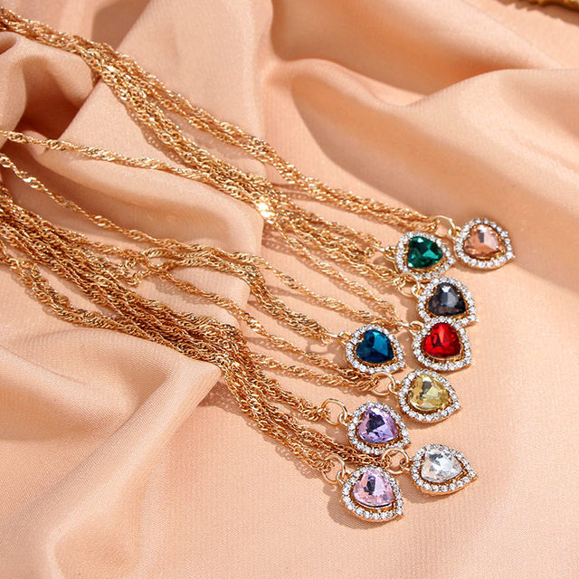 Flatfoosie Shiny Heart Crystal Pendant Necklace for Women Exquisite Gold Silver Color Twist Chain Necklace Fashion Jewelry Gift 3
