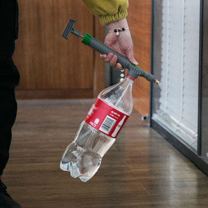 Image 4 - Verstelbare Trolley Spuitpistool Sprinkler Hoge Druk Luchtpomp Handmatige Spuit Drink Fles Sproeikop Mondstuk Tuin Besproeien