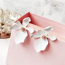 2019 New Big Flower Stud Earrings Korean Style Exaggerate for Women Elegant Female Floral Earring  Fashion Jewelry Accessories