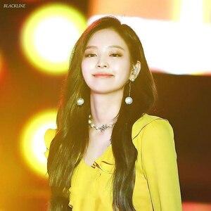 Kpop черная розовая Дженни же Корейская 2020 Новая Элегантная темпераментная Длинная кисточка, цепочка с жемчугом, серьги для женщин и девушек, ...