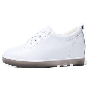 Image 3 - Gizlemek topuk hakiki deri ayakkabı kadın moda ayakkabı yeni dantel Up yüksekliği artan rahat ayakkabılar beyaz ayakkabı XU161