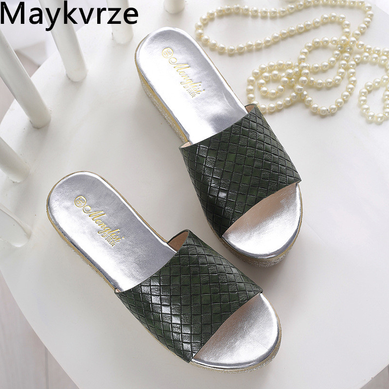 High quality 2020 NEW summer women slippers fashion comfortable Non-slip leather sandals women's shoes