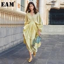 [EAM] abito lungo giallo pieghettato senza schienale da donna nuovo scollo a v manica a tre quarti allentato moda marea primavera estate 2021 1W842