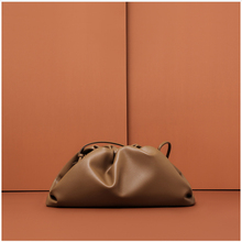 купить CHARMIYI Fashion Clutch Bag famous luxury brand style Cloud bag genuine leather women messenger bags Designer solid handbags по цене 2590.92 рублей