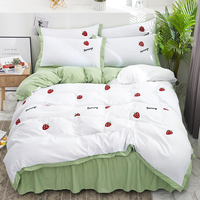 Patch Embroidered Bedding Set Strawberry Pattern Quilt Cover Pillowcase Bed Skirt Family Set Bed Linen Comforter Bedding Sets