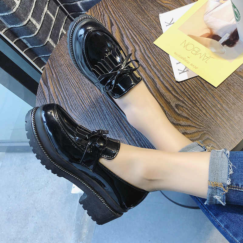 Yeni kalın alt platform ayakkabılar kadın Fringe püskül Oxfords kadın ayakkabı mokasen kadın Flats Patent deri bayanlar ayakkabı üzerinde kayma