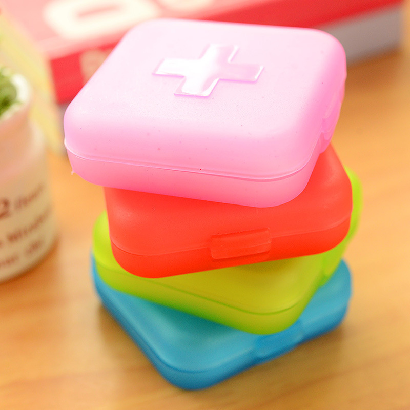 4 Grids Pill Cutter Box Portable Convenient Drug Box Tablet Cutter Splitter Medicine Pill Holder Box Travel Accessories