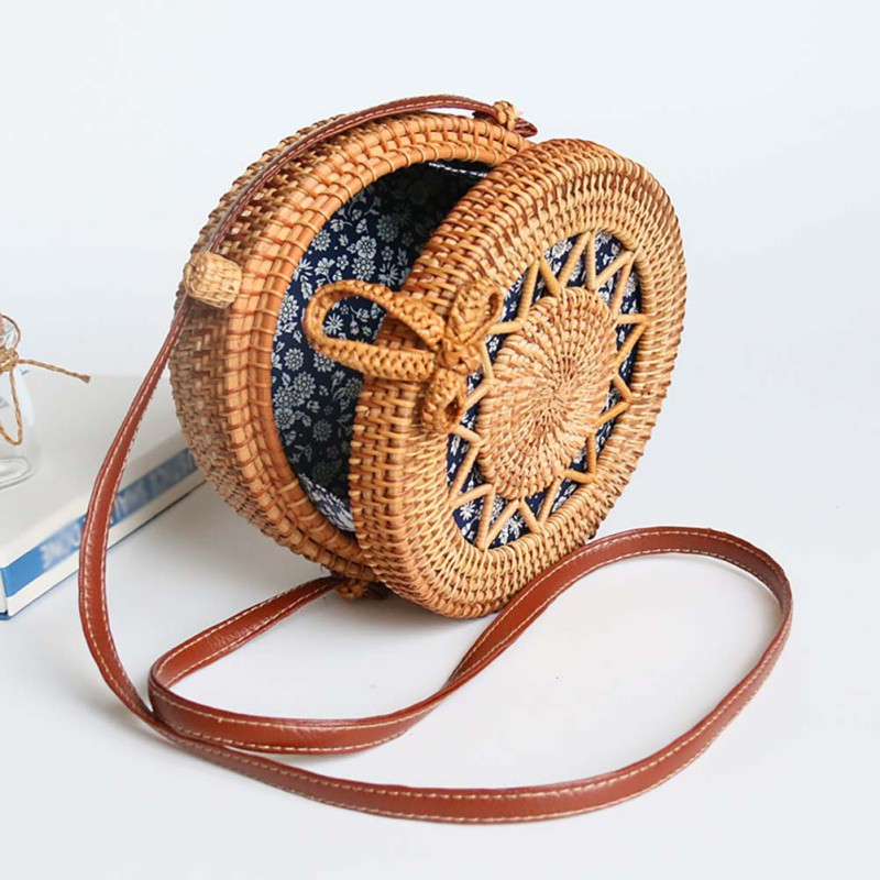 Women Handwoven  Round Rattan Bag Handmade Shoulder Straw Bag Crossbody Purse With Handles Hollow-Carved Hasp Bag New