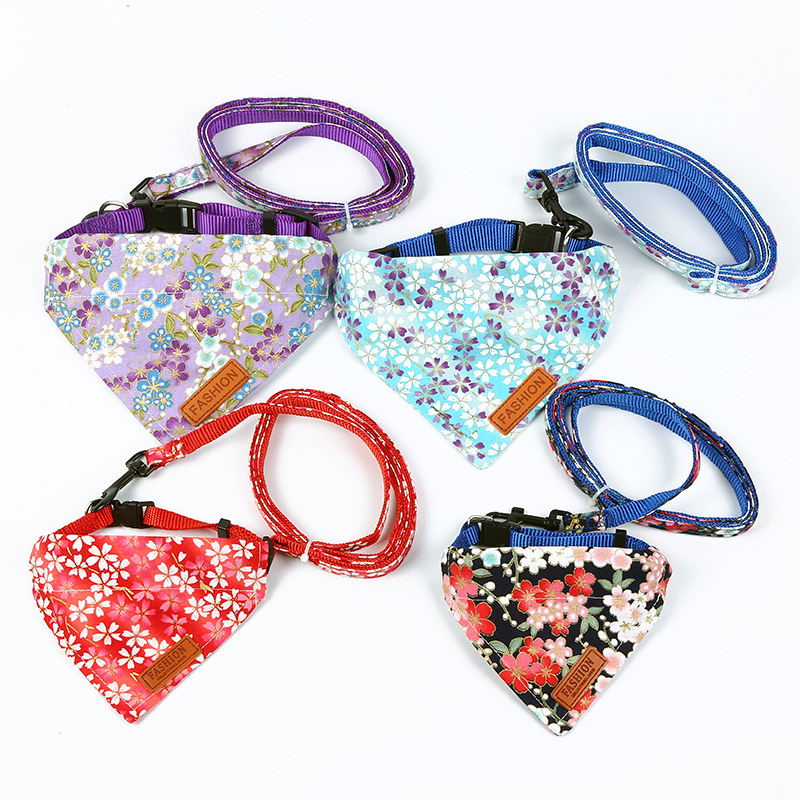 Creative New Style Dog Traction Set Outdoor Travel Hand Holding Rope Meng Triangular Binder Neck Ring