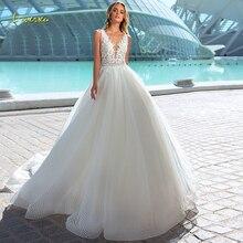 Loverxu Ingetogen V hals Baljurk Trouwjurken Applique Tank Mouwen Backless Bruid Jurk Hof Train Lace Bridal Gown Plus Size