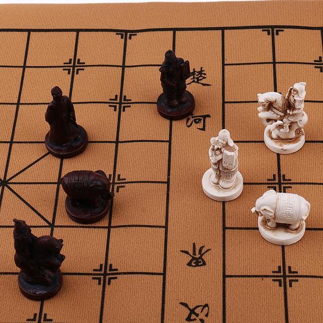 Jeu de xianqi fantaisie avec figurines à la place des pièces : style armée de terre cuite 6