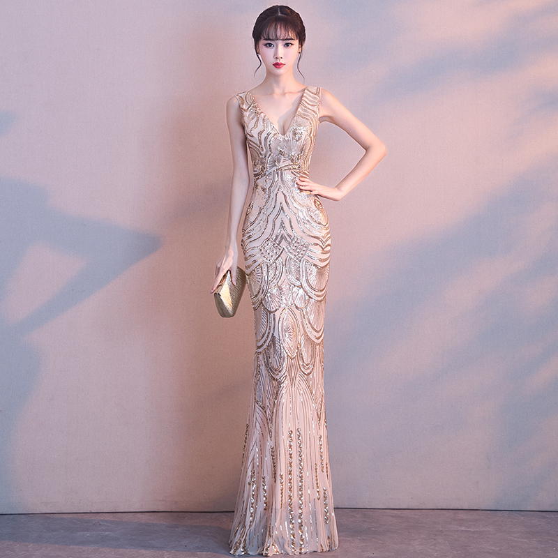 Sexy-Thin-Show-Nightclub-Gowns-Exquisite-Women-Slim-V-Neck-Backless-Bling-Sequins-Evening-Dress-Elegant (1)