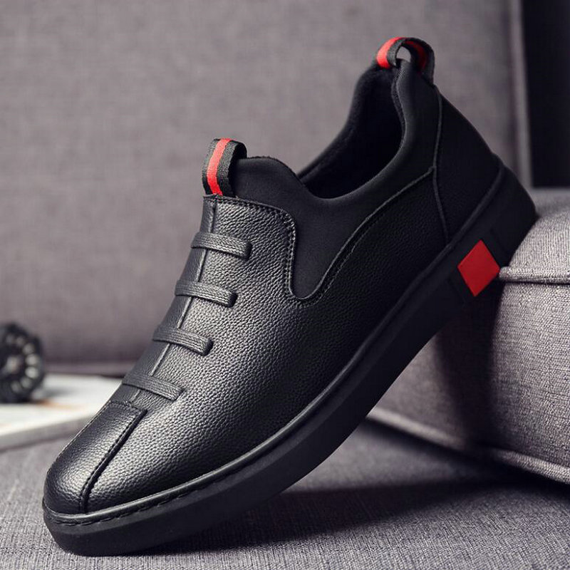 New Fashion Male Black Leather Flats Shoes Men Loafers Shoes Korea Flats Driving Boat Shoes Men Casual Sneaker Shoes LM-10