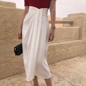 Image 3 - Twotwinstyle assimétrico do vintage lado divisão saias para o sexo feminino de cintura alta irregular ruched saia feminina moda 2020 roupas maré