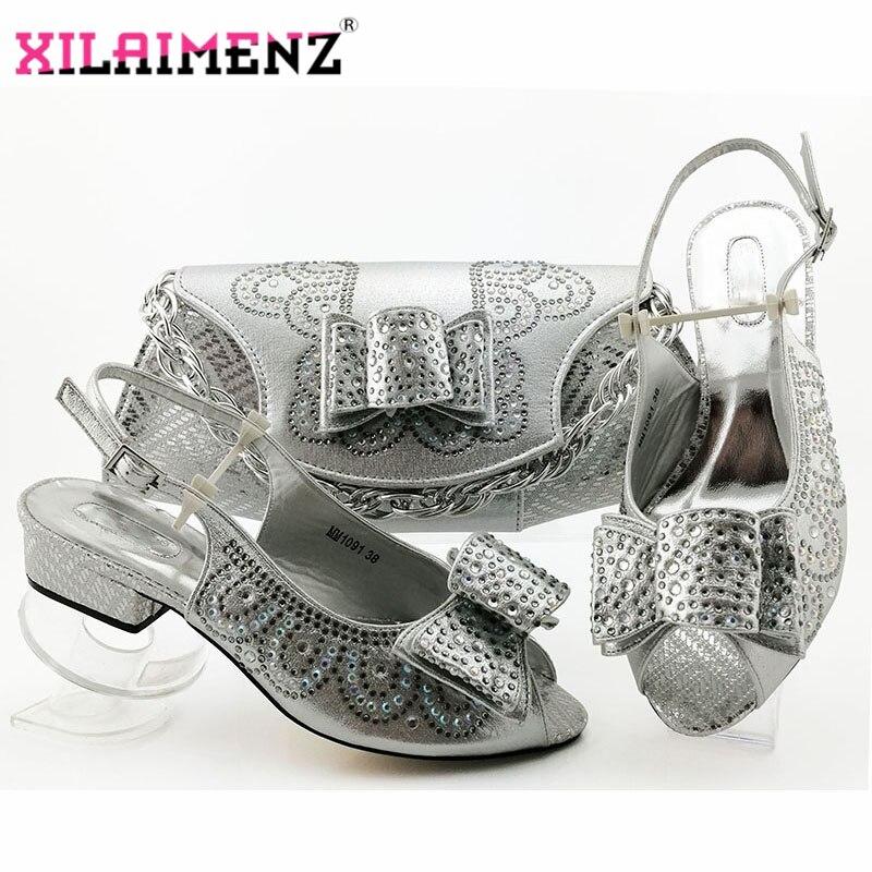 Chaussures italiennes de haute qualité avec sacs assortis mis chaussures de fête des femmes africaines et ensembles de sac sandales et sac de femmes de couleur argent