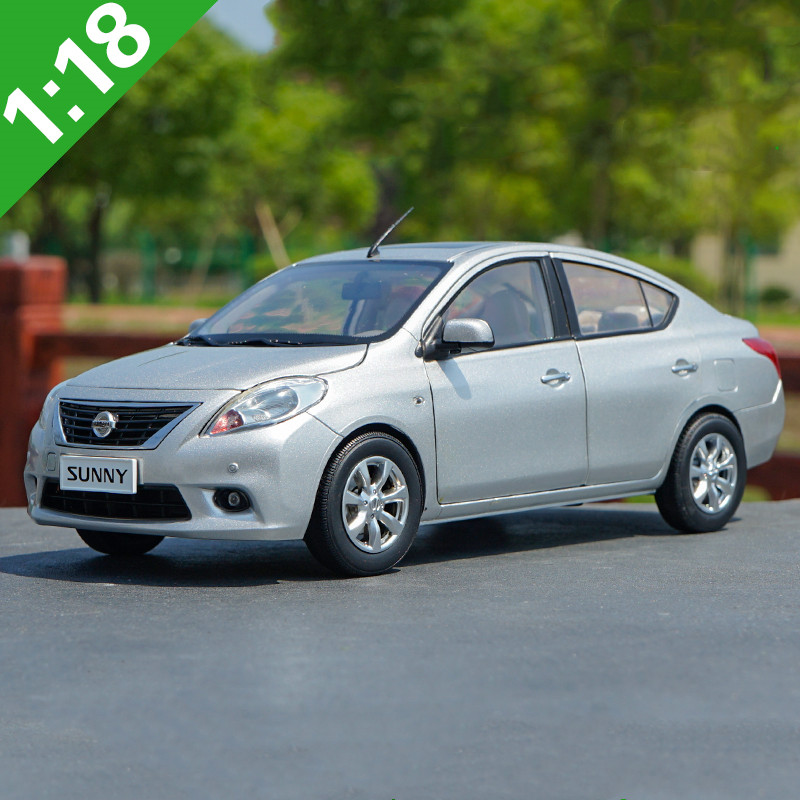 High quality 1:18 Nissan Sunny alloy model,simulated die cast metal sedan model,exquisite gift collection,free shipping