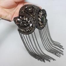 2Pcs Rhinestone Handmade Fashion Tassel Patch Chain Shoulder Badges Beads Applique Metal Epaulette Military Pin on Brooch Medal