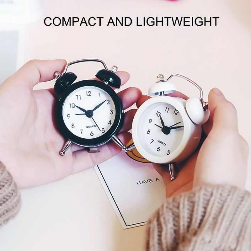 שעון מעורר Creative 50mm מיני שעון מעורר נסיעות פעמון אנלוגי שעון שולחן עם פעמון קמפינג חיצוני כלים קטן